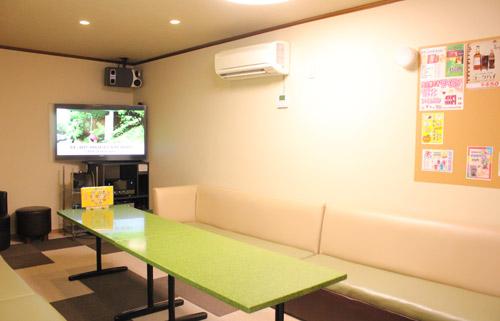 中島店のカラオケルーム